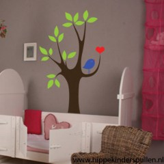 Muursticker boom met vogel en hartje