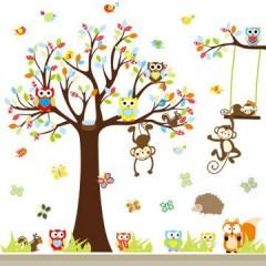 Muursticker boom met aapjes en uiltjes