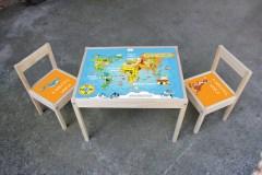 Tafel met stoeltjes wereld